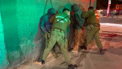 Photo of No alcanzaron arrancar con el botín sustraído del Lezaeta, y carabineros los detuvo en la esquina siguiente.
