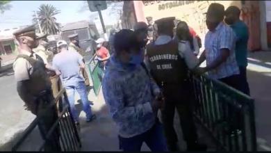 Photo of Bolivianos residentes fueron desalojados por carabineros tras simulación de voto