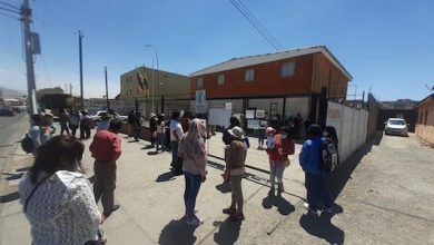 Photo of Bolivianos protestan en Calama exigiendo votar el domingo