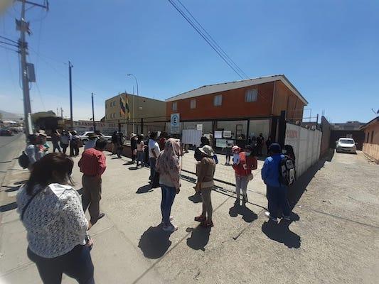 Photo of Bolivianos protestan en Calama exigiendo votar el domingo
