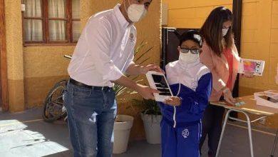 Photo of Familias y alumnos de Chiu Chiu recibieron tablets y planes de internet para continuar apoyando sus aprendizajes remotos