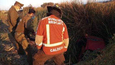 Photo of Un fallecido tras volcar camioneta y caer a quebrada